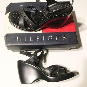 TOMMY HILFIGER Black wedges